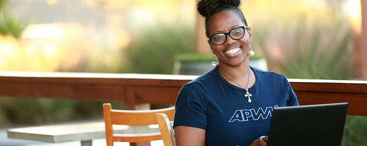 APWU Member Hopes to Use Free College Degree to Give Back